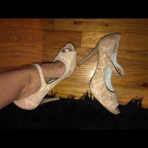 Sz 8 Nine West heels